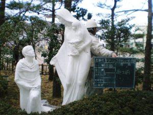 聖ドミニコ学園マリア像塗装工事(施工前)