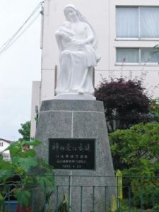 シャルトル聖パウロ修道院女会函館修道院マリア像塗装工事(施工後)