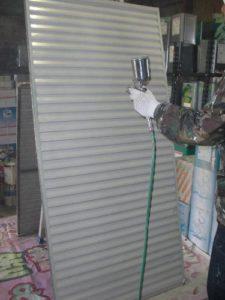 仙台市青葉区K様邸の雨戸塗装(施工中2)